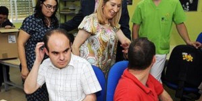 España – La Junta estudia dejar parte de sus contratos para empresas de inserción