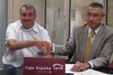 Caja España dona 16.000 euros a programas de integración de discapacitados
