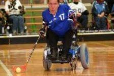 Hokey en silla de ruedas eléctrica