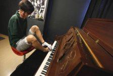 Liu Wei – El sorprendente pianista sin brazos que toca con los pies