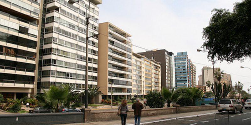 Miraflores debe adecuar edificaciones para facilitar el acceso de personas con discpacidad
