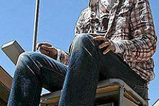 Tres alumnos de la universidad de salamanca en España desarrollaron silla de ruedas controlada por celular