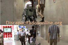 Japoneses desarrollan silla de ruedas que sigue a las personas