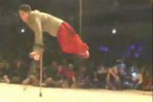 Discapacidad y superación Break Dance en muletas