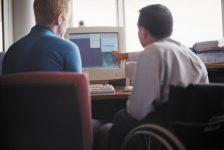 España – Personas  con discapacidad exígen mejoras de accesibilidad en redes sociales