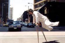 Discapacidad y superación historia del bailarín con muletas Bill Shannon