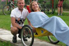 Historia de Agatha y Piort, durante 18 dias recorrieron 1.140 Km en bicicleta adaptada