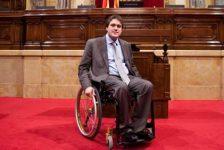 España – David Bonvehí, primer diputado en silla de ruedas