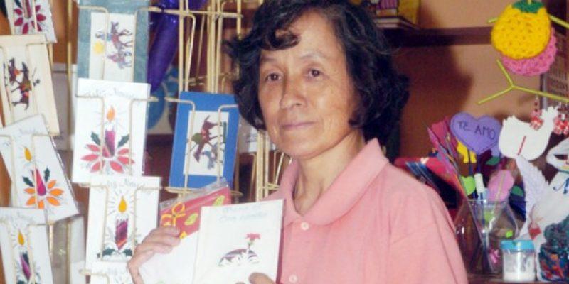 Bolivia – Personas con discapacidad se integran al mercado laboral con trabajos en cerámica, madera y papel