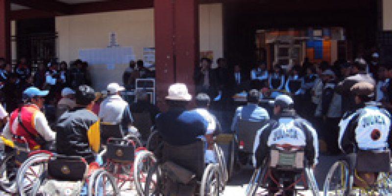 Puno: Candidato presidencial Manuel Rodríguez promete empleo para personas con discapacidad
