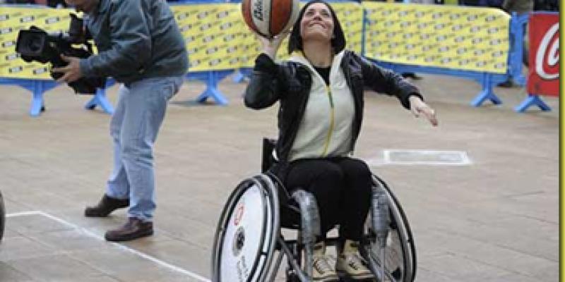 Baloncesto adaptado: Iniciación al baloncesto en silla de ruedas