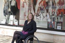 Discapacidad y modelaje Shannon Murray primera modelo en silla de ruedas
