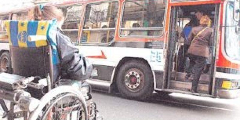 Maltrato a personas con discapacidad y ancianos en transportes públicos de México