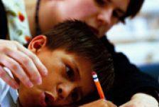 Discapacidad motríz en niños Guía de intervención para profesores y padres