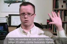Joven con síndrome de Down pide empleo con video curriculum