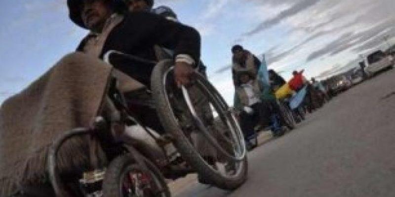 Bono de Bs 1000 se entregará a discapacitados desde la próxima semana en Bolivia