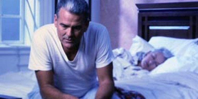 Tercera edad insomnio en personas mayores