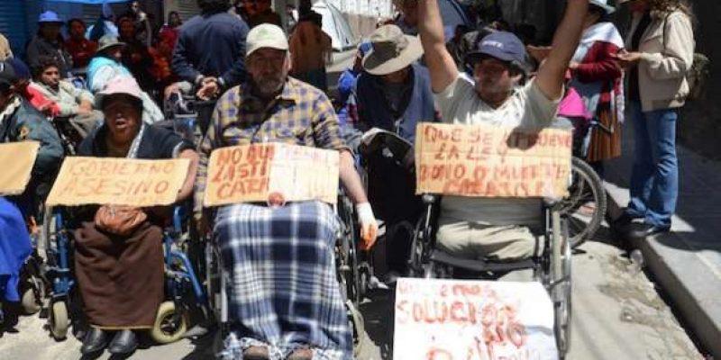 Bono de discapacidad Bolivia solo alcanza para un pan y café
