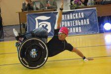 Break dance en silla de ruedas con Maksim Sedakov