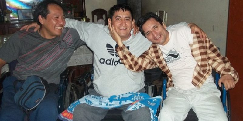 Accidente en casa lo dejó en silla de ruedas hoy dirige su propio negocio