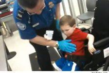 Niño con discapacidad en inspeccionado en aeropuerto