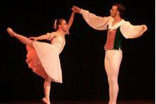 Discapacidad y Superación Aline Favaro Tomaz bailarina con Síndrome de Down