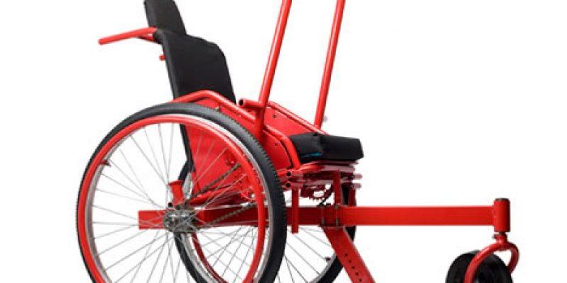 Silla de ruedas con palancas para terrenos accidentados