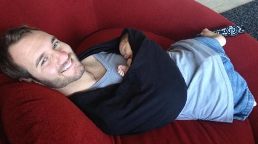 Nick Vujicic presenta a su primer hijo