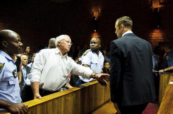 Oscar Pistorius no confundió a novia con ladrón