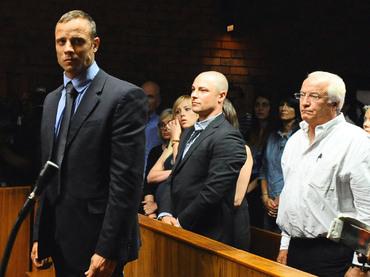 El atleta Oscar Pistorius sigue acumulando problemas