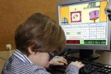 Herramienta de aprendizaje del teclado del computador para niños ciegos