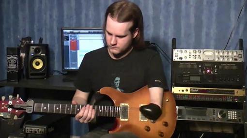 Marc Playle el guitarrista de un solo brazo
