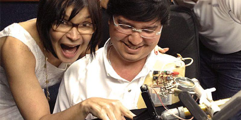 Crea brazo robotico para retomar actividades laborales