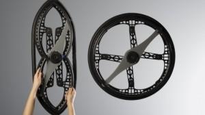 Crean ruedas plegables para silla de ruedas