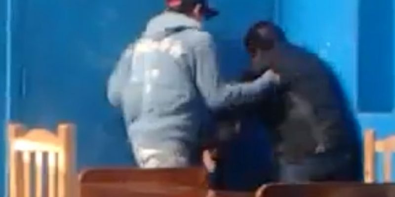 Golpean salvajemente a joven discapacitado en Argentina