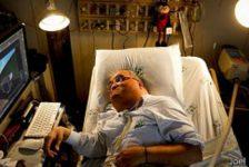 Polio lo dejó paralizado y vive 45 años en hospital
