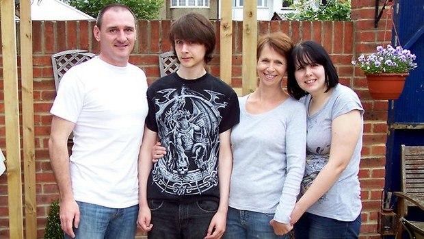 Australia niega visa a joven autista