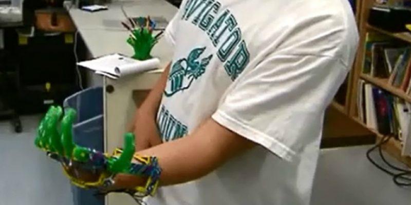 Crea protesis de mano para su hijo con impresora 3D