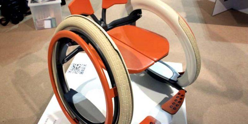 Concepto de silla de ruedas electrica plegable