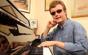 El pianista ciego y con autismo Derek Paravicini