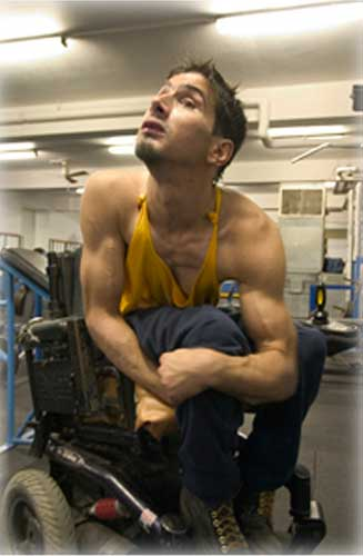 Jesse McKinney un fisicoculturista con paralisis cerebral