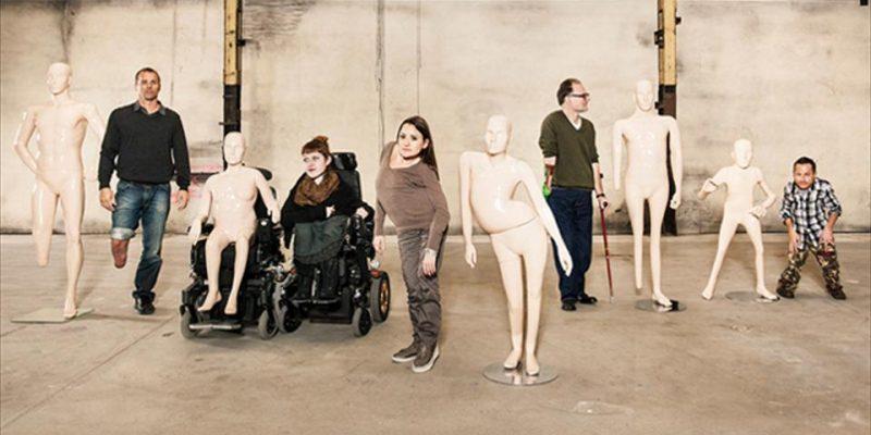 Maniquies de personas con discapacidad en campaña publicitaria