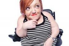 Stella Young una comediante con osteogenesis imperfecta