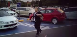 Usan estacionamiento para personas con discapacidad