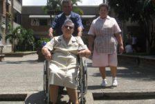 Discapacitados tienen muchos obstáculos en Medellín