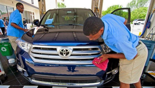 Lavado de autos con personal autista