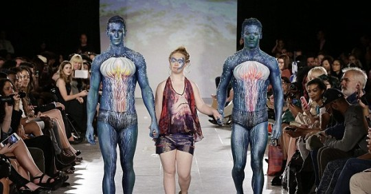Modelo con síndrome de Down debuta en la Fashion Week