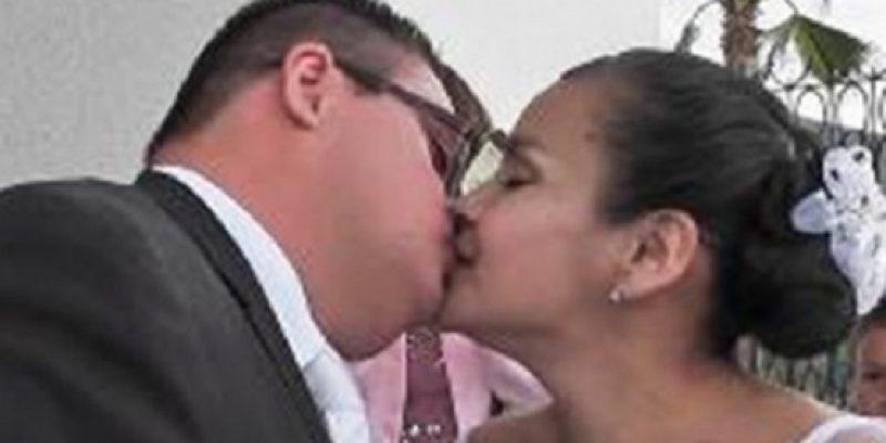 Mujer se casa con hombre con sindrome de Down