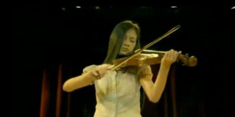Spot publicitario – Niña sorda que aprende a tocar el violín